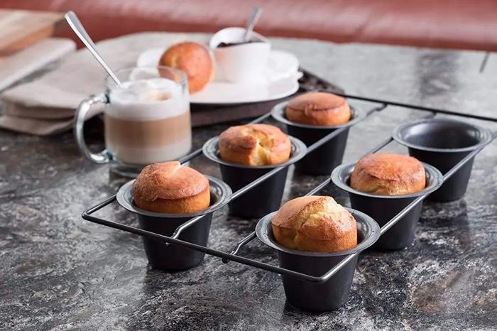 Popover Pan vs. Muffin Pan